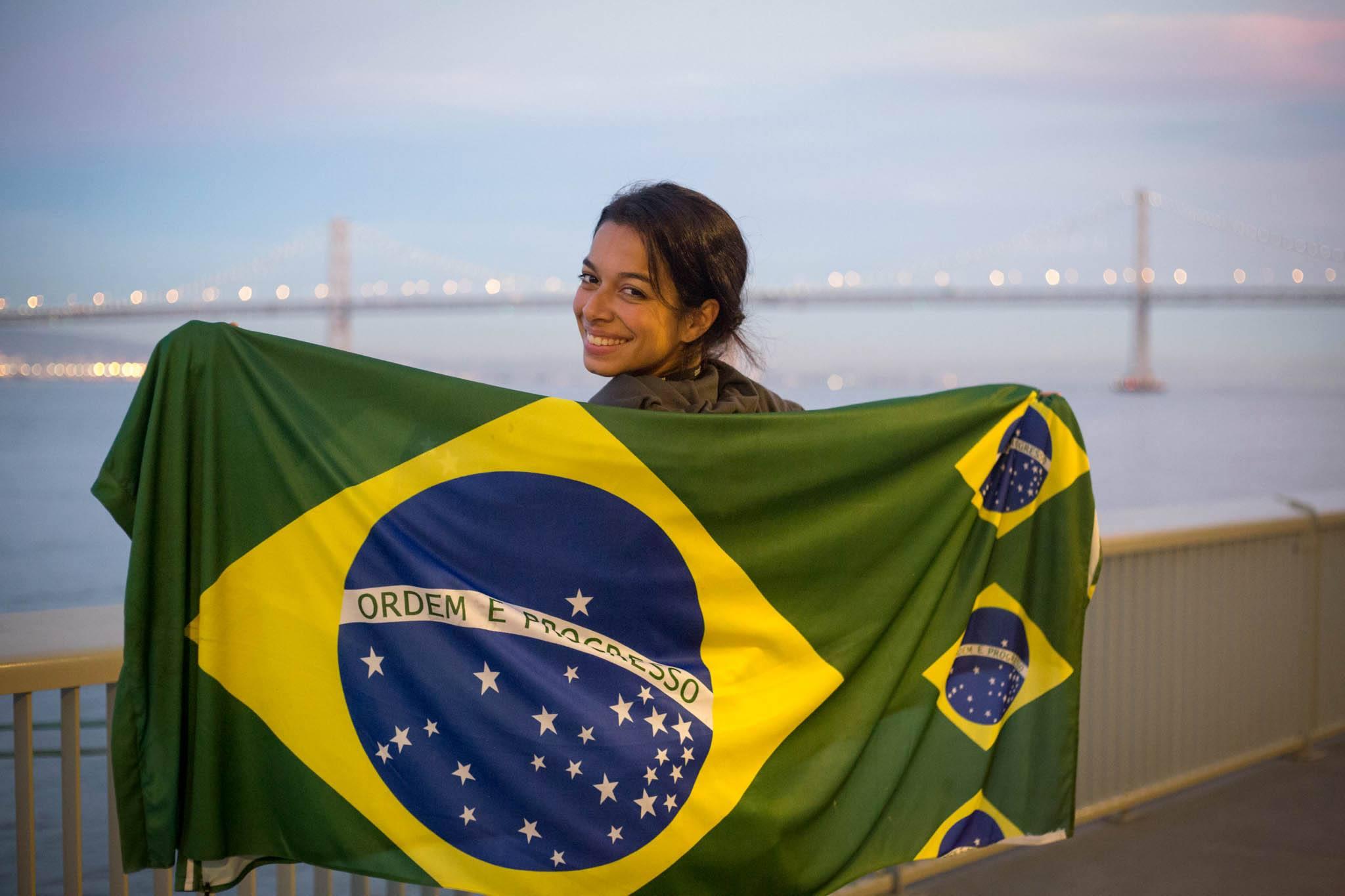 Greenpeace_Brazil_flag_NathaliaScherer.jpg