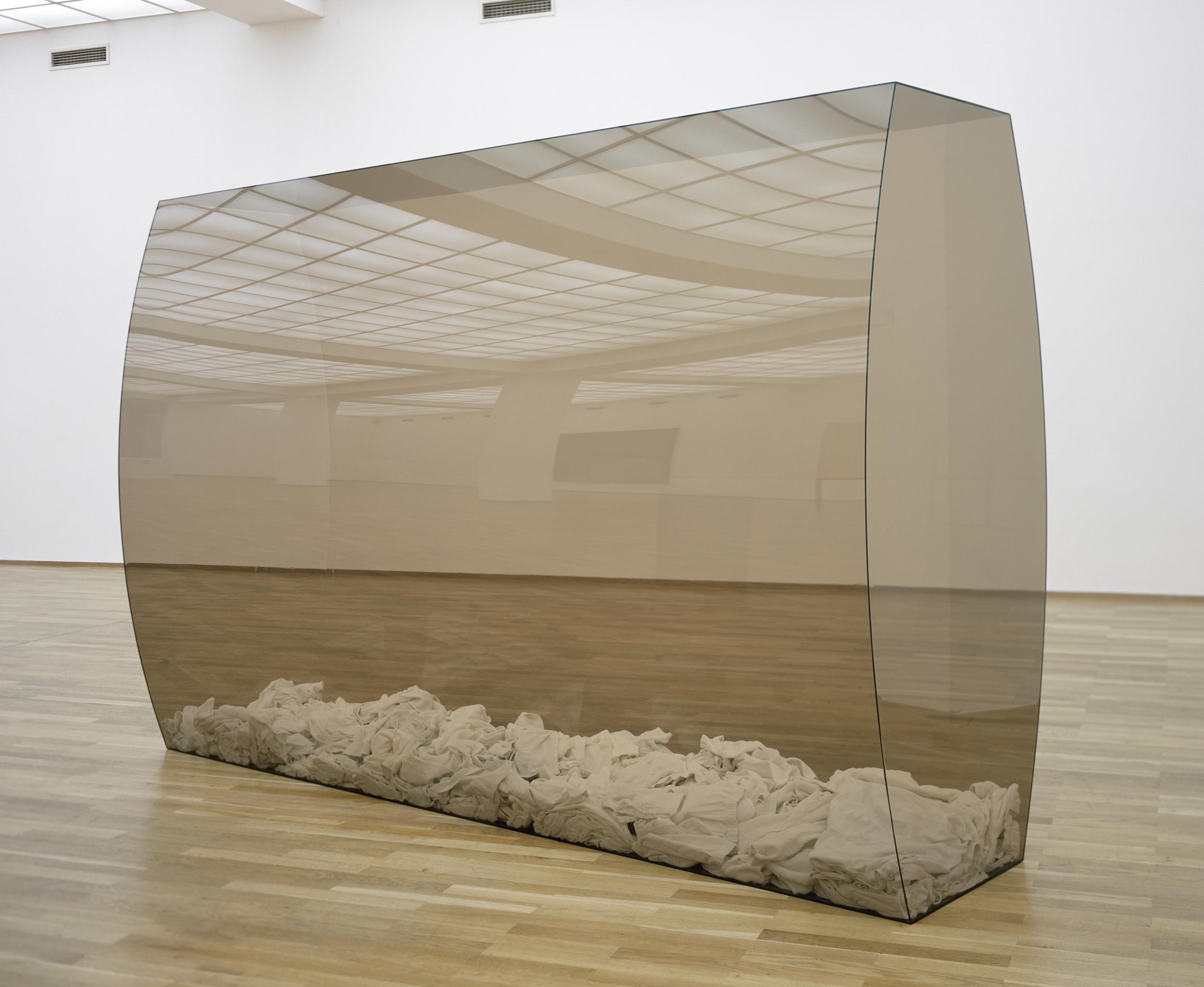 untitled, 2002, perspex, white underwear, 195 x 295 x 95 cm