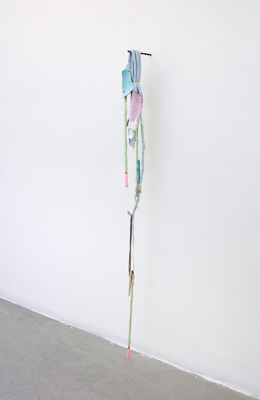 Suspenso, 2011, mixed media, 158 x 12 x 17 cm