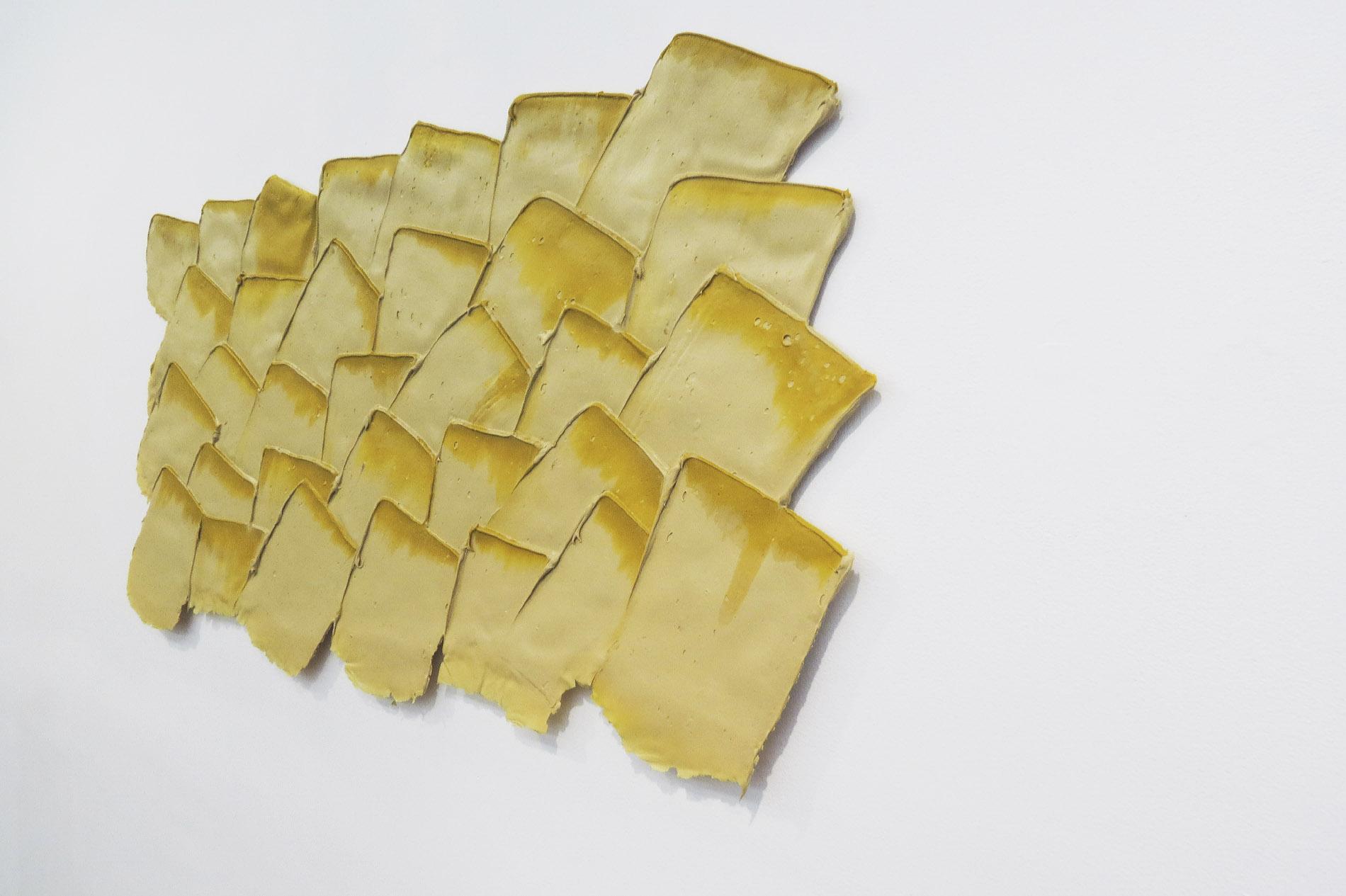 """Essenziale con """"ombre pittoriche"""", 1991,giallo e bianco, 41.5 x 81.5 cm"""