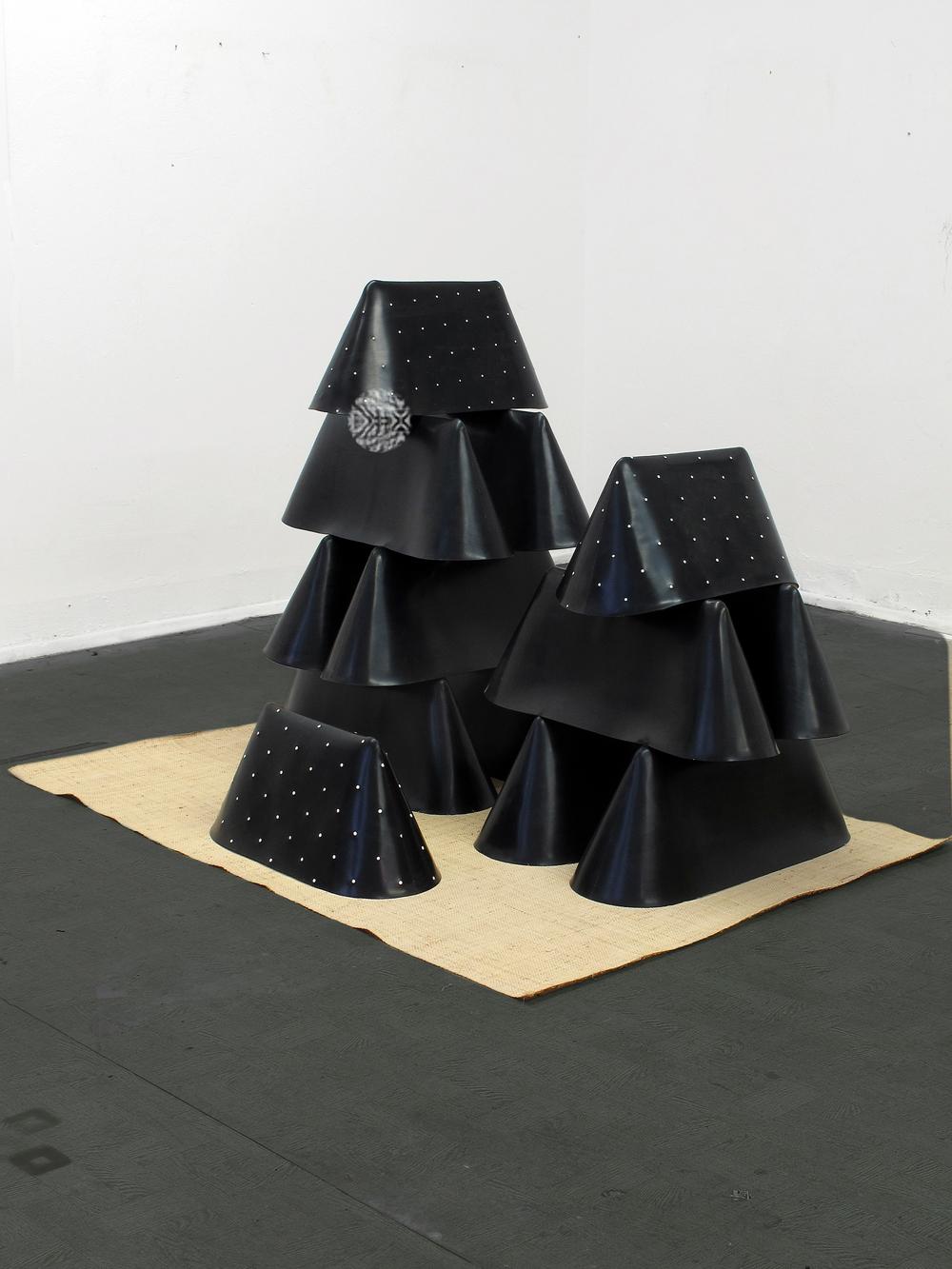 Bazar, 2013, rubber, bass, 120 x 140 x 100 cm