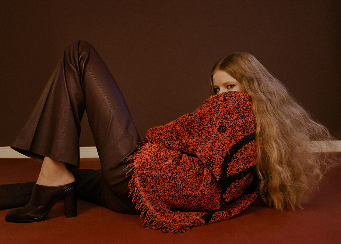 sweater   HAAL   pants   BY MALENE BIRGER   shoes   AMEND ATELIER