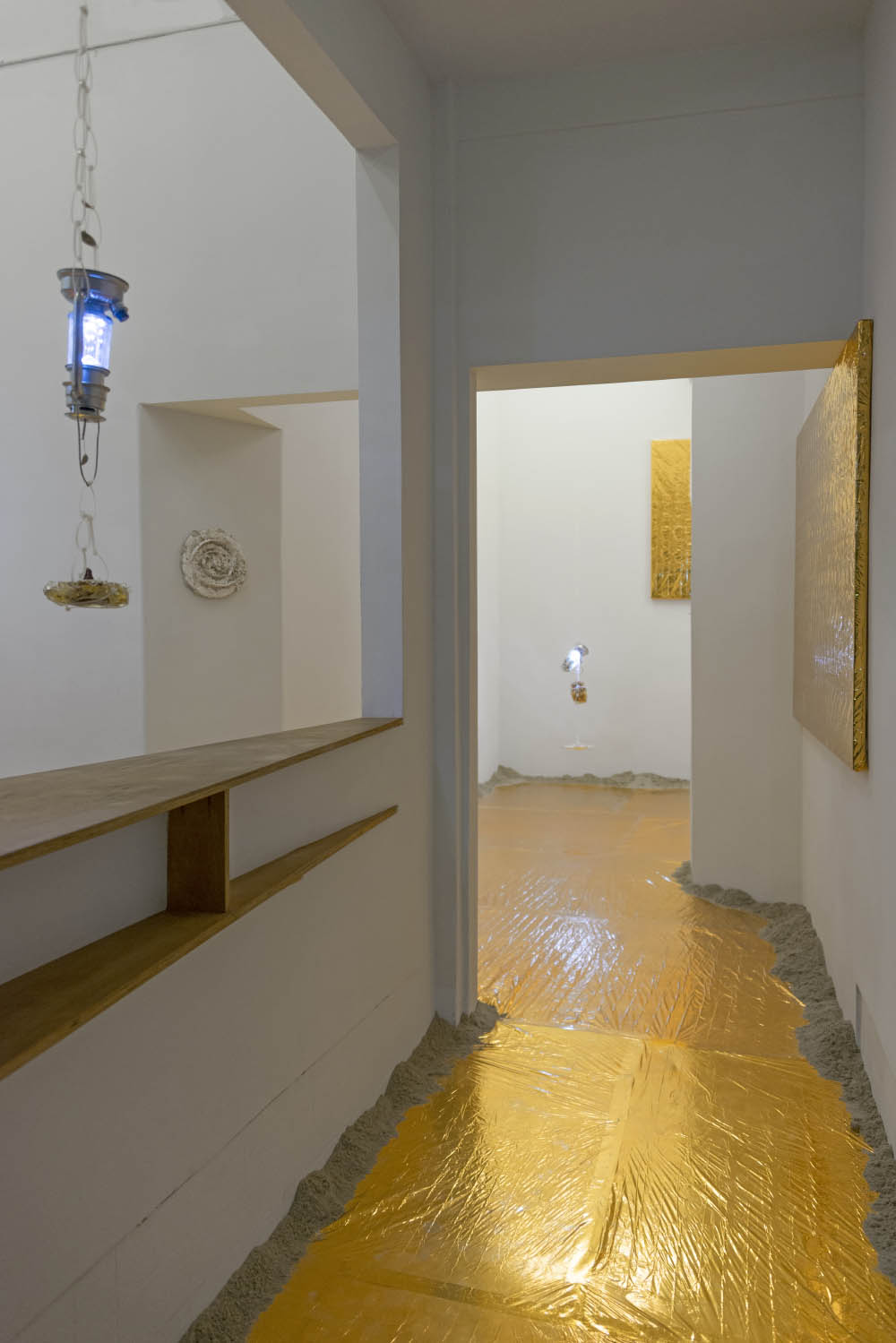 Diet Sonata 2015 LED lanterns, resin, freeze dried food, plaster, survival blankets, sand Dimensions variable Installation view at Smart Objects, Los Angeles, USA