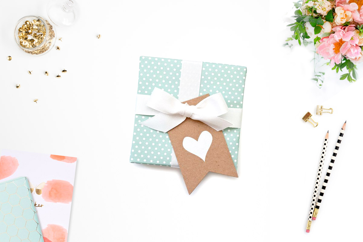 Gift from Sugar Paper and desk accessories from Kikki.k