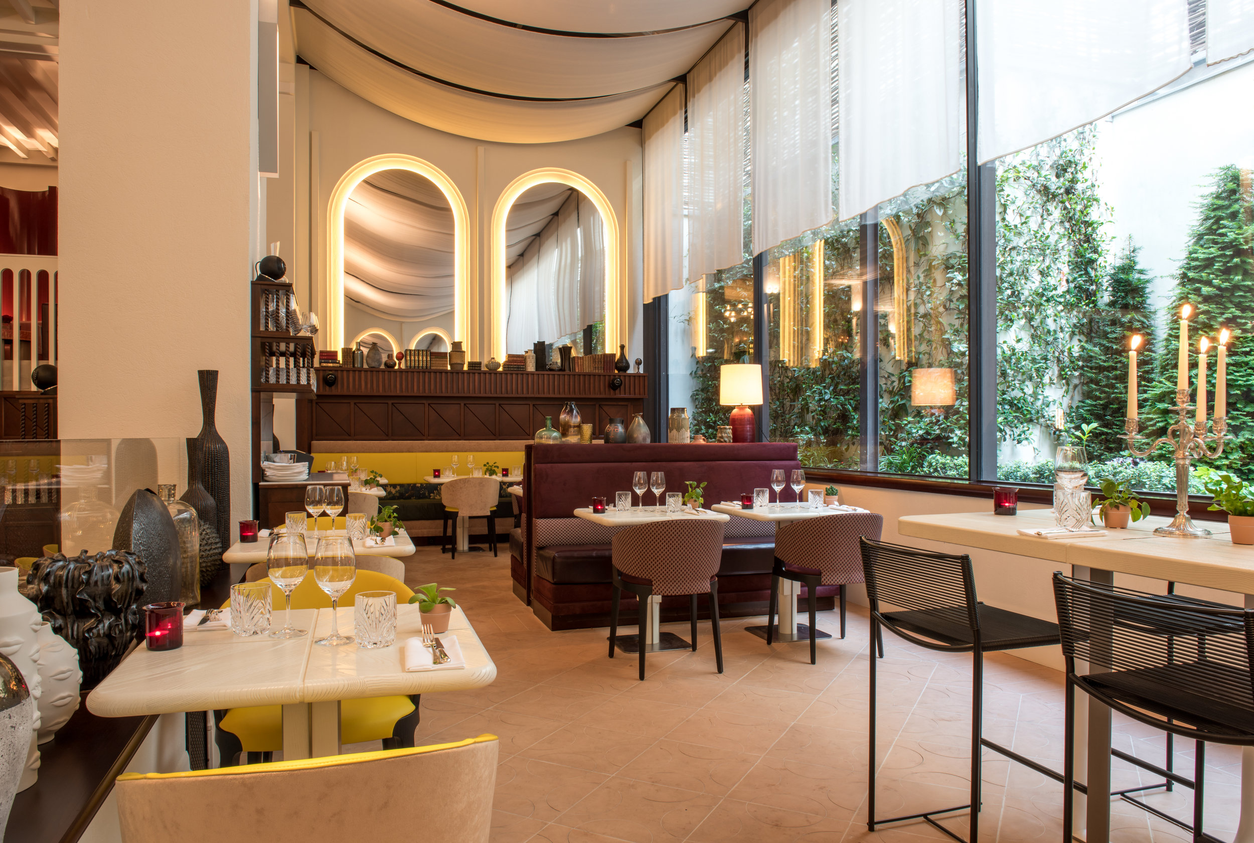 11 - Restaurant.jpg