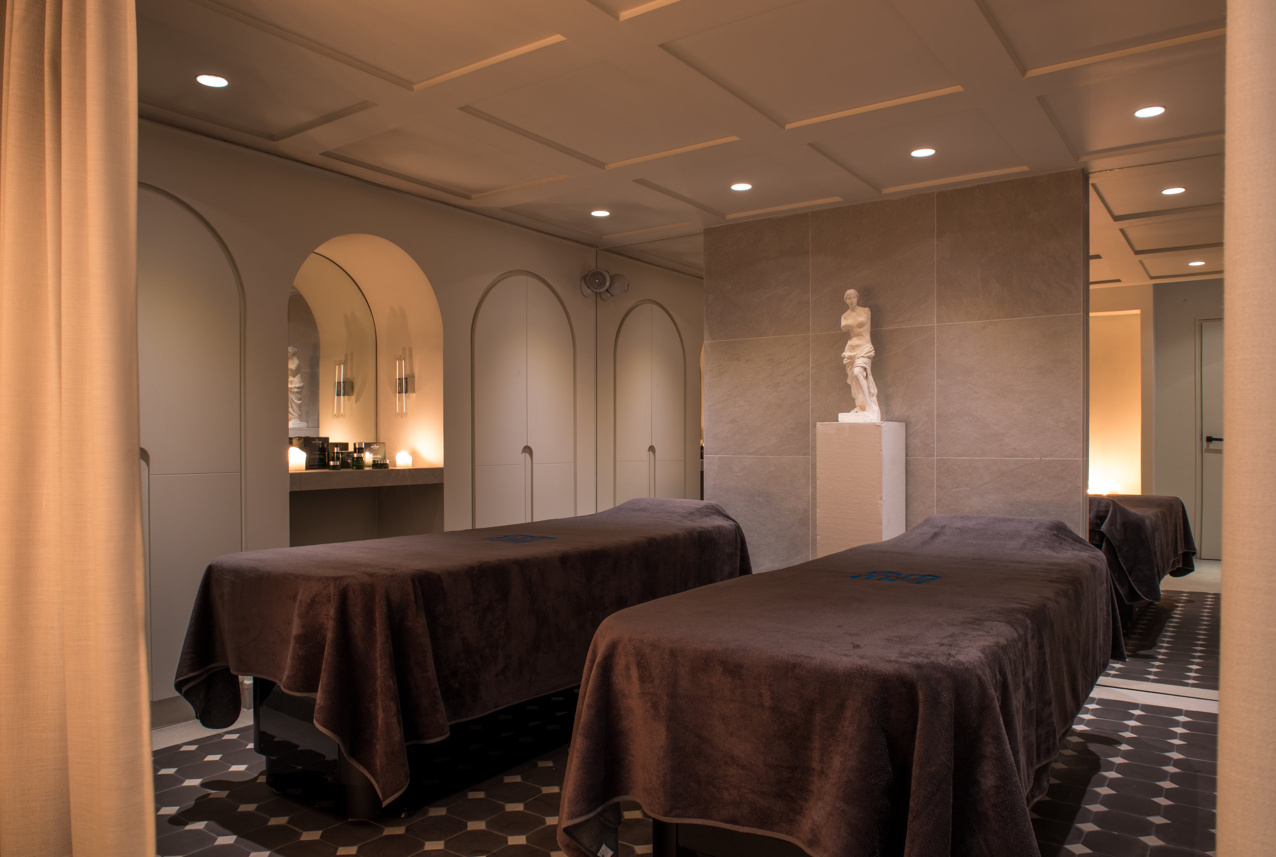 40 - Treatment room Spa.jpg