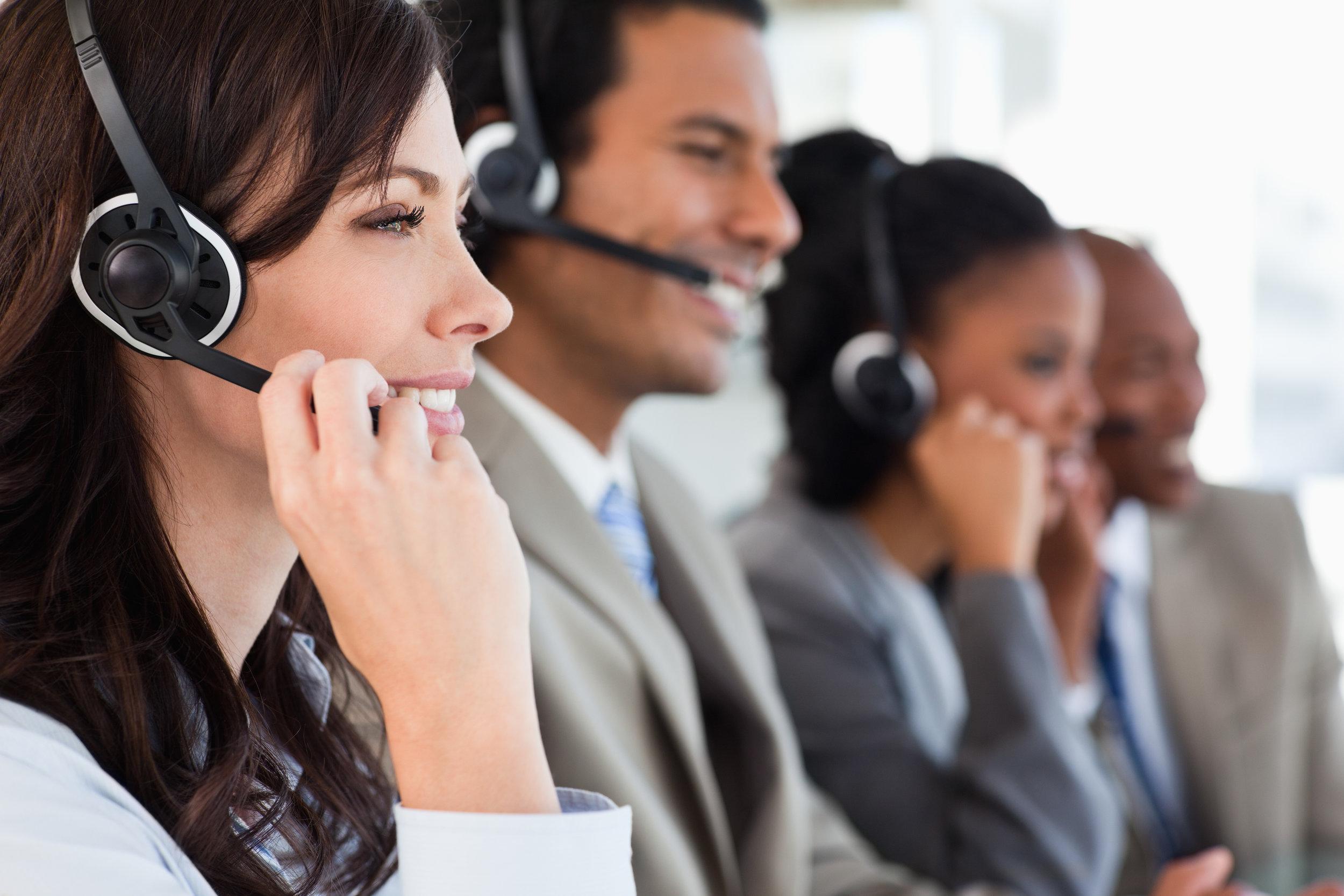 Centrale de surveillance ULC - Notre centrale d'alarme est homologuée U.L.C et possède une couverture d'assurance en responsabilité professionnelle valide. De plus, les opérateurs de notre centrale d'alarme reçoivent un entraînement continu afin qu'ils soient continuellement à l'affût des dernières technologies.Notre centrale d'alarme offre un service professionnel, bilingue, avec des opérateurs compétents, entraînés et prêts à vous aider. Nous offrons donc une gamme complète de produits et de services de surveillance 24 heures standardisés et testés.