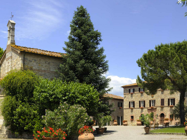 HOTEL ADRIANA - A 5* hamlet in the Chianti countryside with both a private chapel and church onsite for symbolic or religious weddings.Read More...