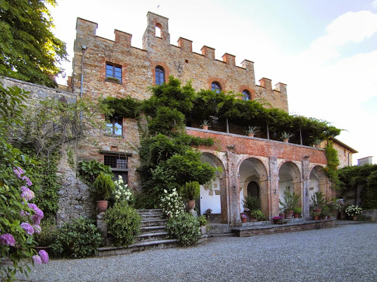 CASTELLO CHIARA - A castle in Siena with a private onsite chapel for religious ceremonies. Accommodation for 44.Read More...