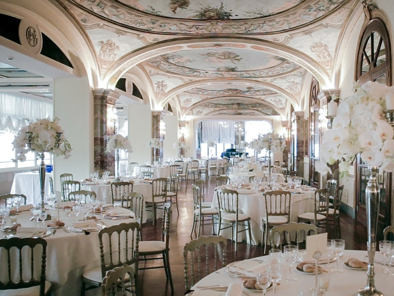 HOTEL VICTORIA - An impressive 5* hotel in the very heart of Sorrento. Large frescoed rooms and Italian style can be found in abundance at Hotel Victoria.Read More...