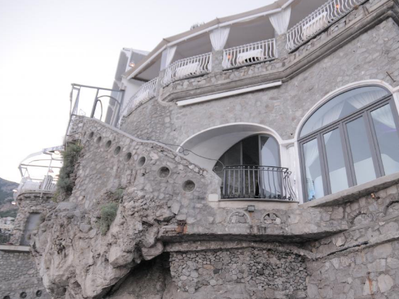 RISTORANTE MARCO - A chic, cliff-face restaurant on the beach of Positano. Ristorante Marco is suited for parties of up to 60.Read More...