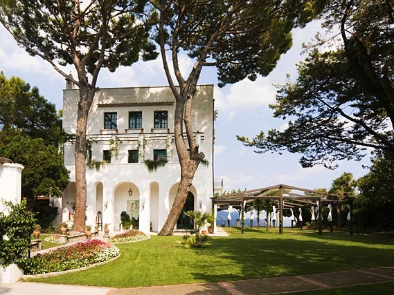 VILLA MARIO - An exclusive event-only villa with intimate, but good sized,grounds and amazing views of the Amalfi Coast.Read More...