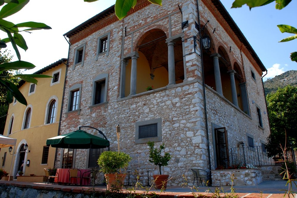 Villa Rinascimento, Lucca - An Italian home away from home, with accommodation for 60 adults. Perfect for a relaxed, rustic wedding.Read More...