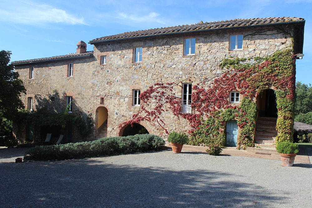 Villa Podernovo, Siena - An rustic, yet contemporary farmhouse, which sleeps 23 people, just a short distance from the famous San Galgano Abbey.Read More...