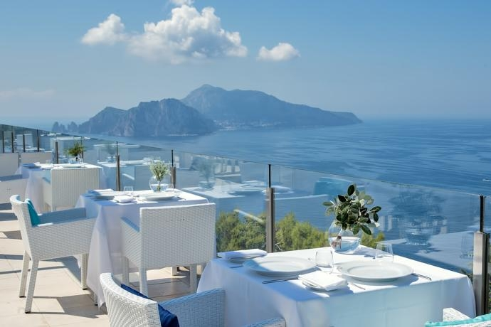 Hotel Vincenzo, Sorrento - A modern boutique hotel in the hills of Sorrento. This venue boasts spectacular views which make Capri appear within touching distance.Read More...