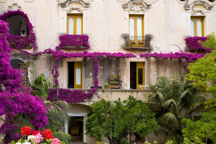 Hotel Alberto, Positano - A luxurious hotel in the very heart of Positano, just a stones throw from the famous church of Santa Maria.Read More...