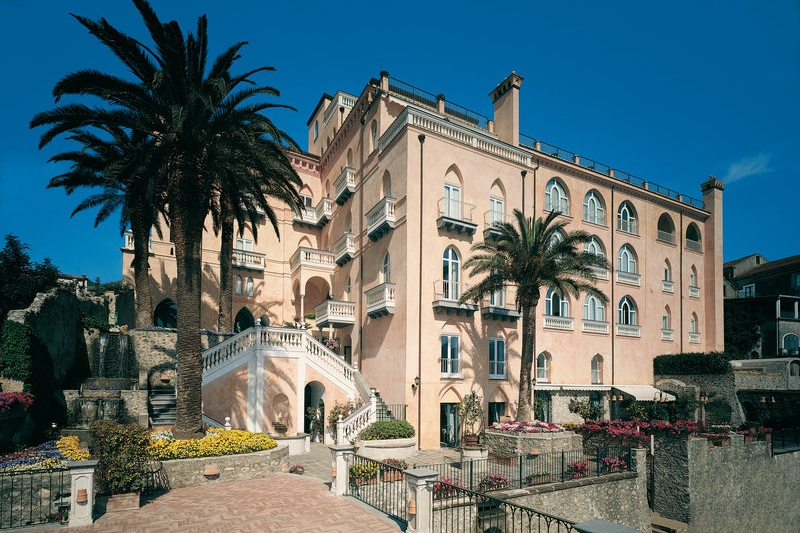 Hotel Emanuela, Ravello - A well-designed hotel close to the town hall. Hotel Emanuela has a Michelin Star restaurant and a private beach clubRead More...