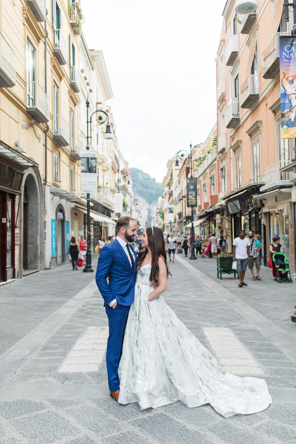 Sorrento elopement planner