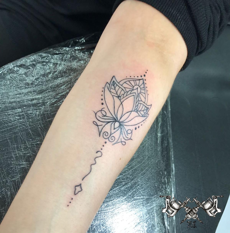 mandala tattoo.jpg