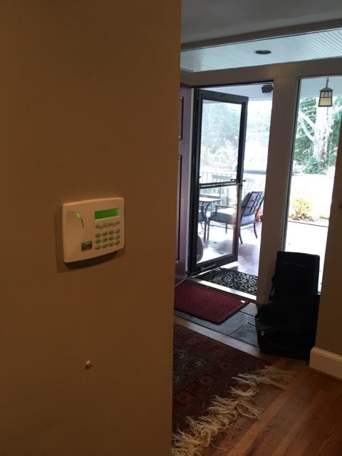 Work Log 2015A - John Mendiola (johnm@urbanalarm.com) - WO-18363 Home Security Alarm System Installation and Monitoring.pdf_Work Pictures_3.jpg