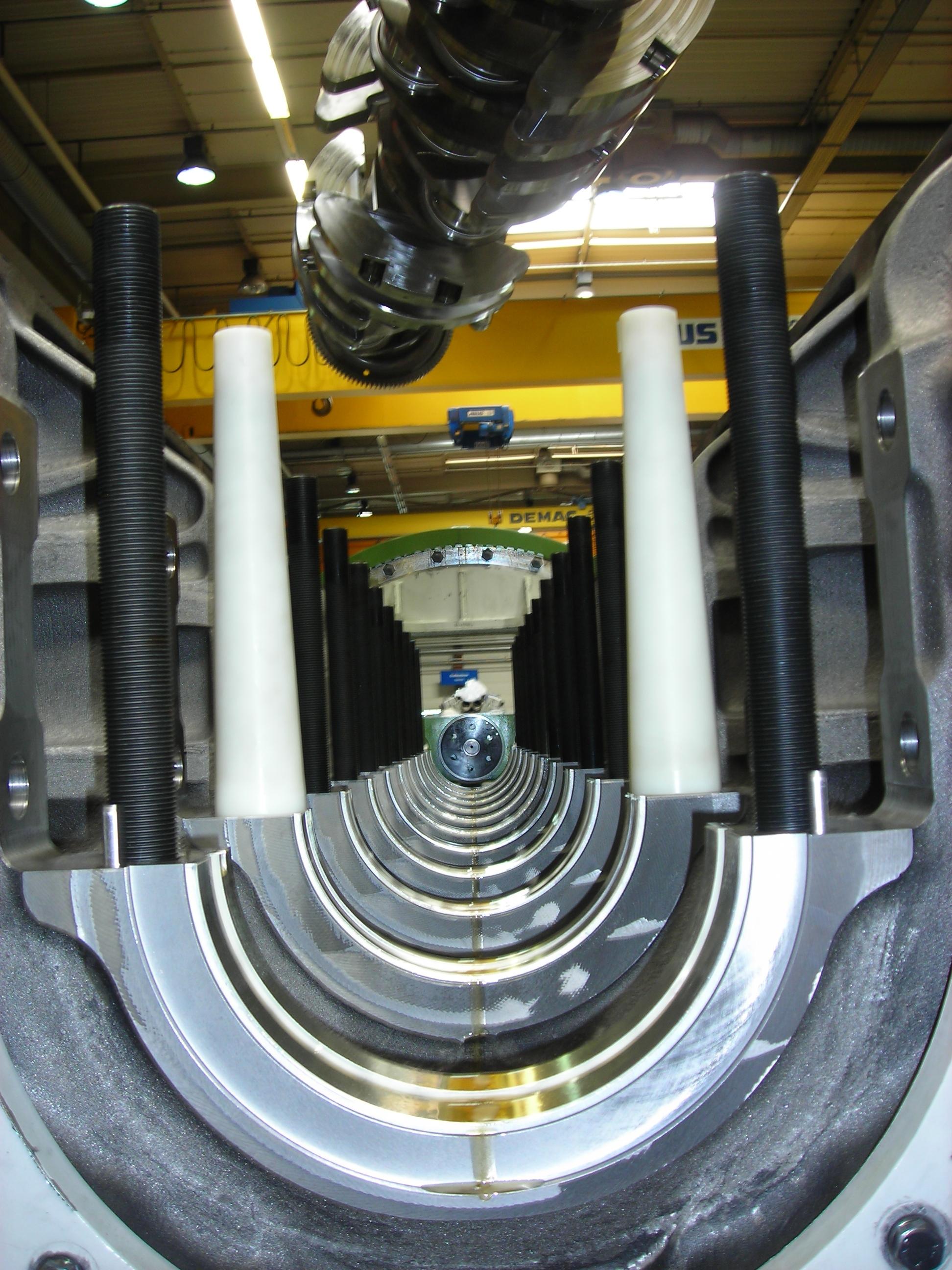 Installation of the Crankshaft MTU series 8000