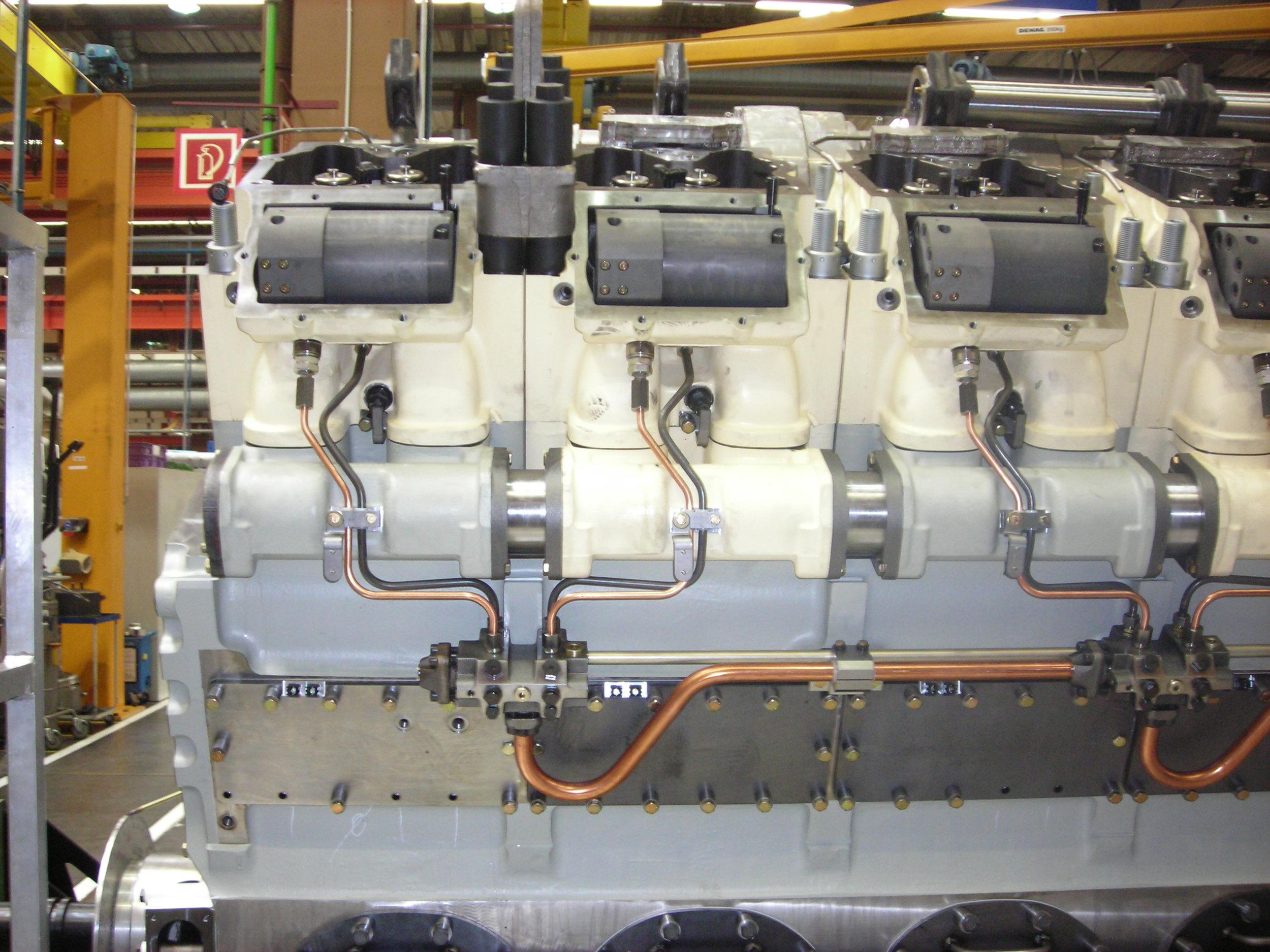 MTU series 8000 common rail injection system installation
