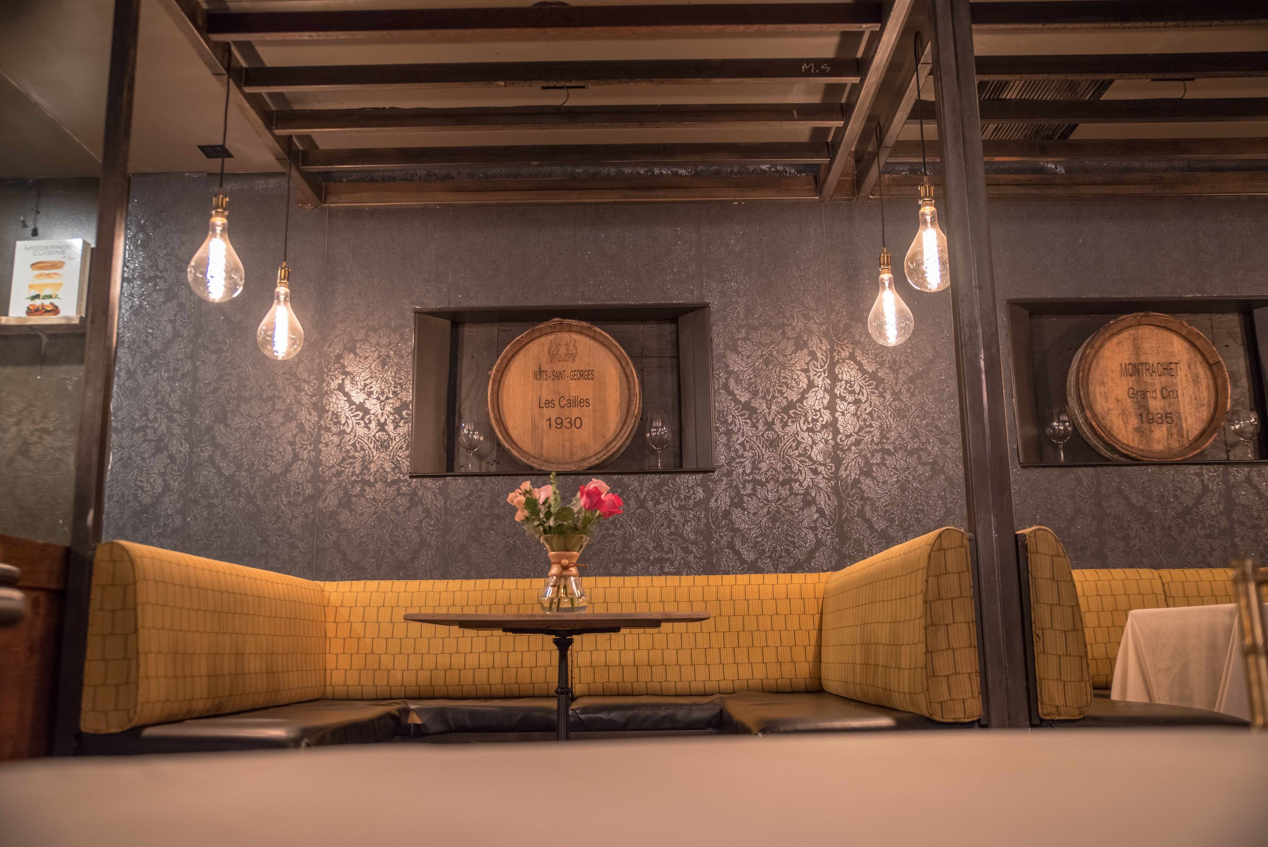 lounge booth.jpg