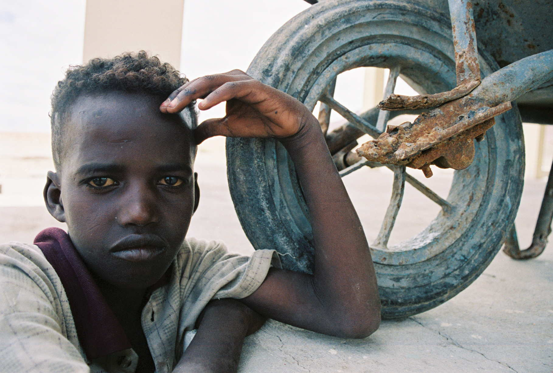 Ethiopian Border Boy and Wheel (2).jpg