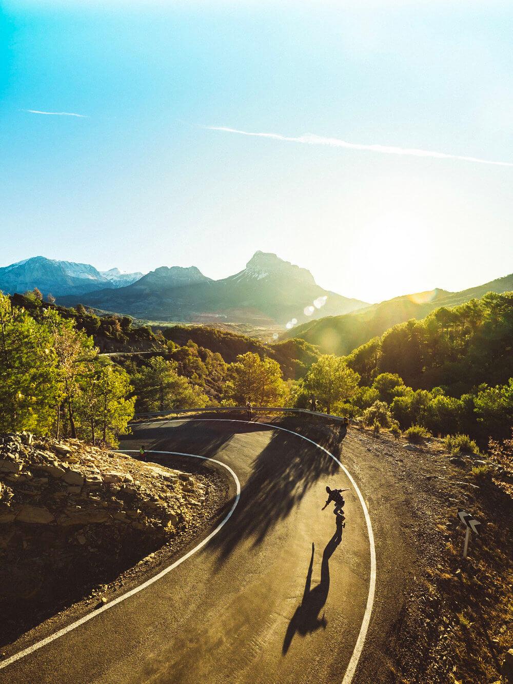 Carretera y montaña en el Monte Perdido | Foto: Álvaro Sanz