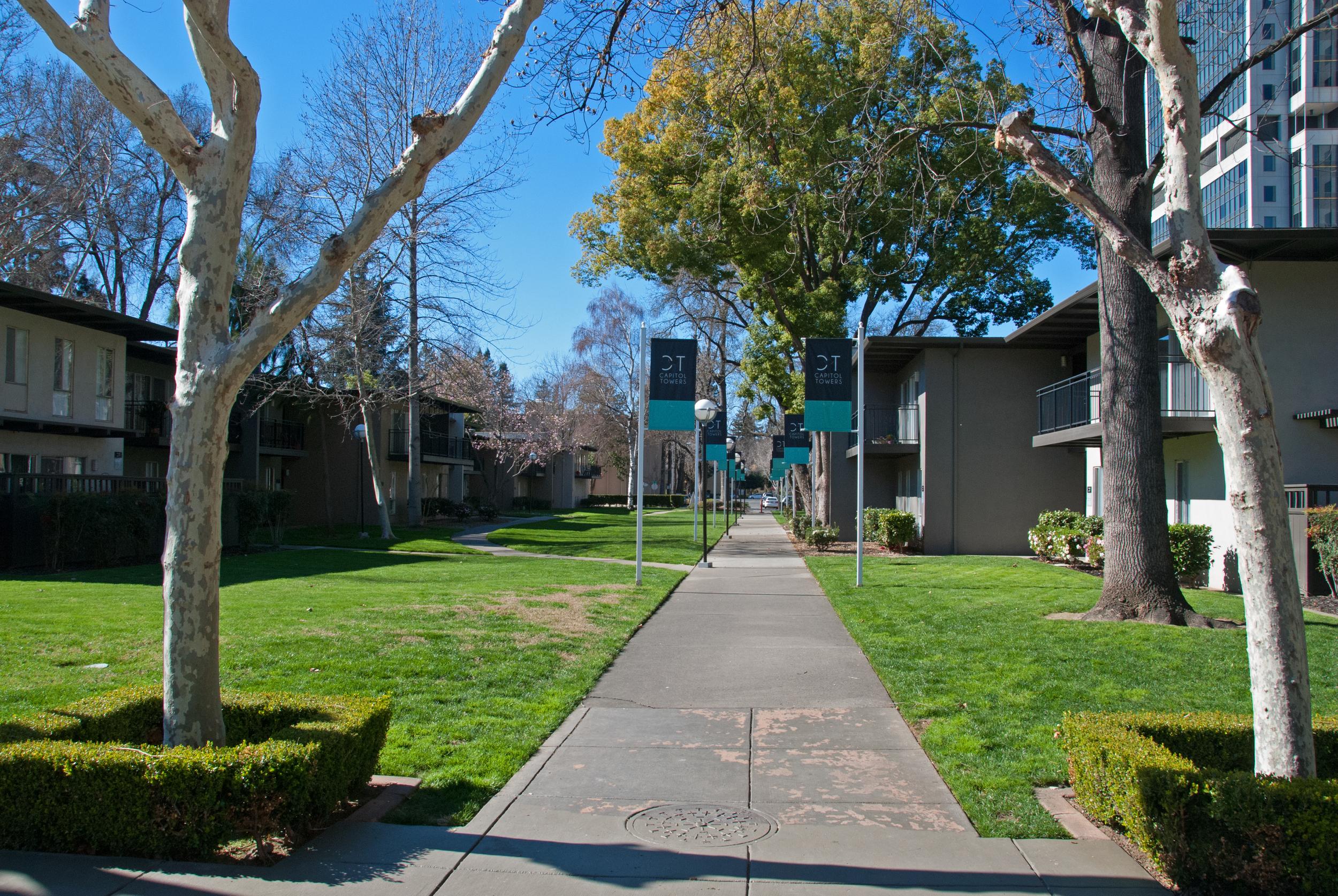 Capitol Towers Garden Apts 2954.jpg