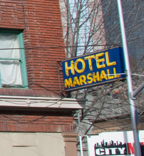 Hotel Marshall s elev 1509 sign.jpg
