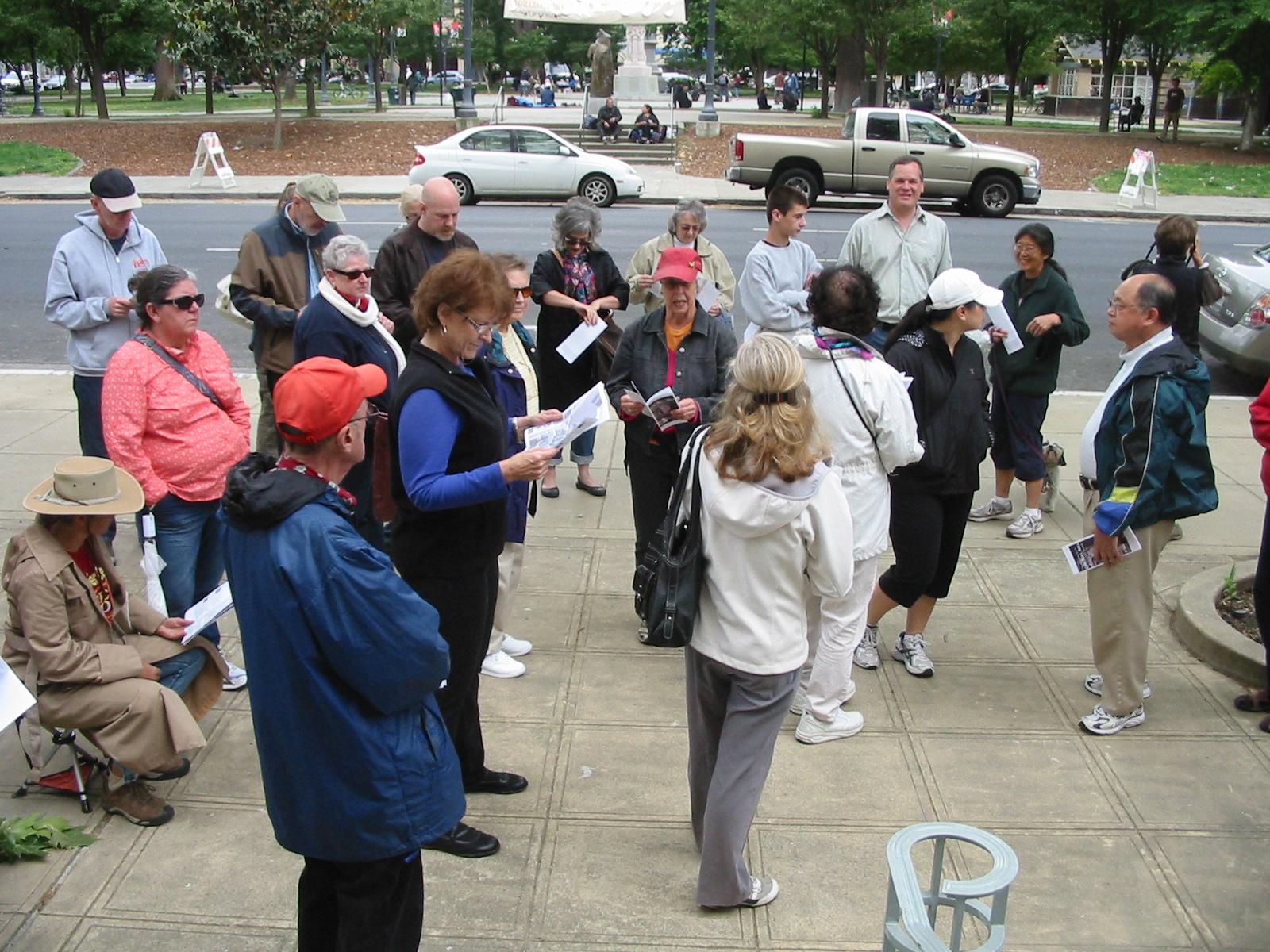 2012 Janes Walk downtown - M. Parfitt.jpg