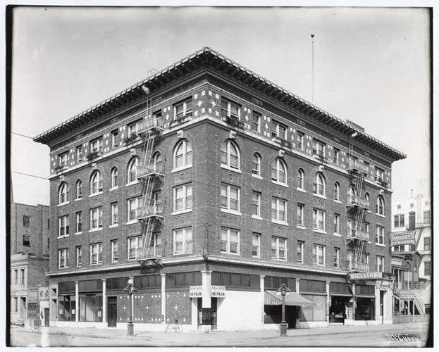 14 Hotel Clayton ca 1911.jpg