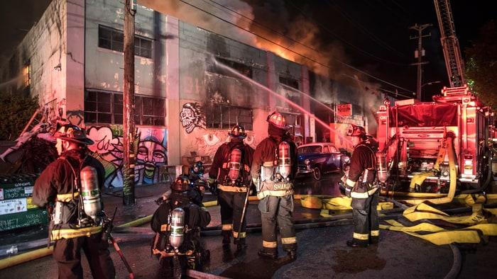 oakland-fire-warehouse-acb3ea7d-97fa-4d5d-bed9-d253afa89df8.jpg