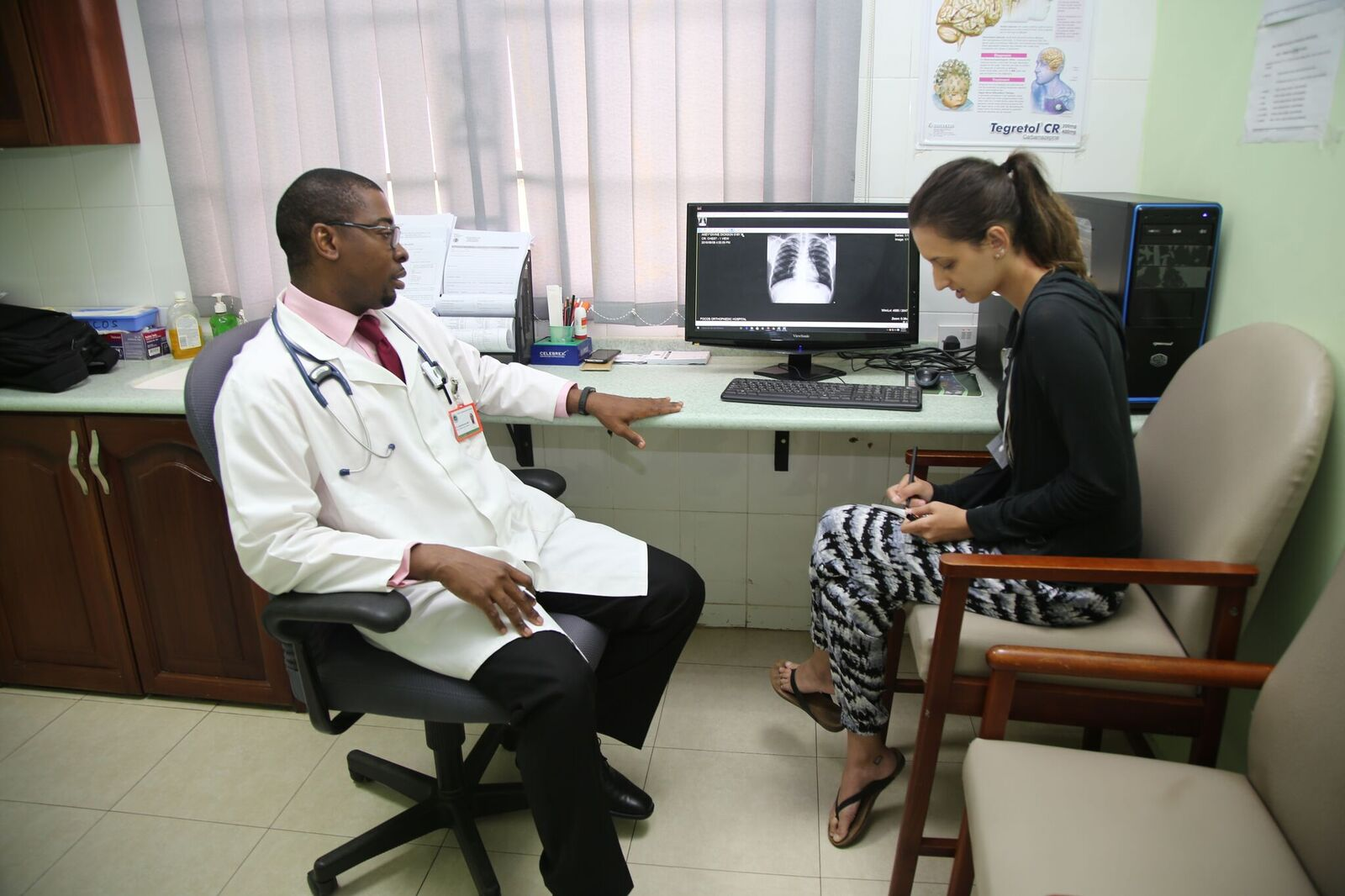 Learning how to read chest X-rays with Dr. Otori-Amantuan