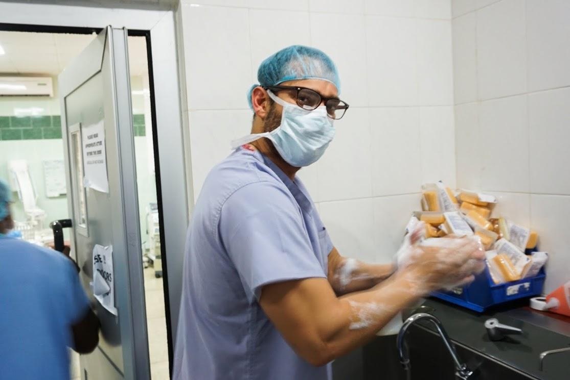 us surgeons volunteer4.jpeg