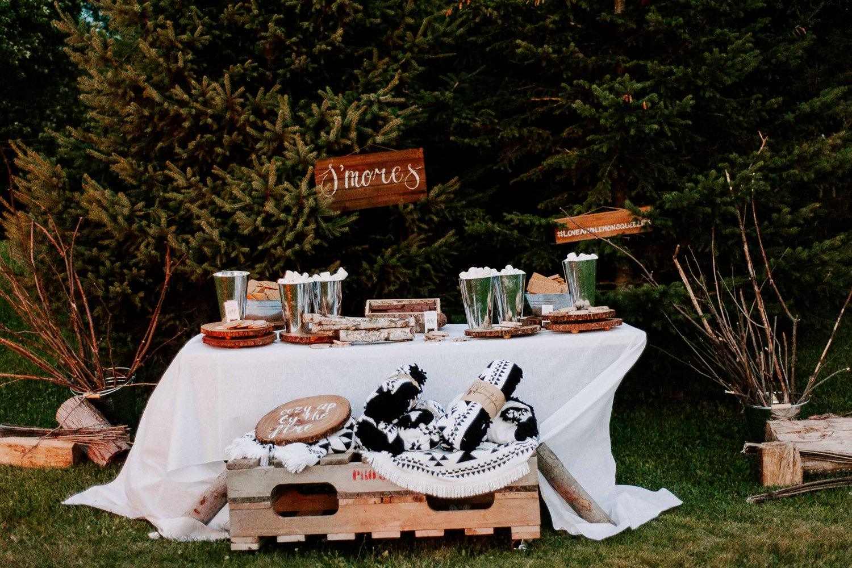 lemon_themed_farm_wedding_18.jpg