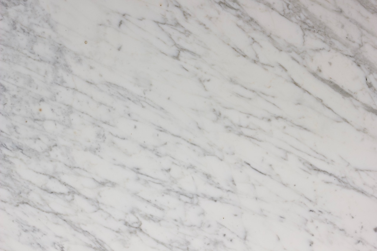 Calacatta Venatino - 135x75 - Polished:Honed Close up.jpg