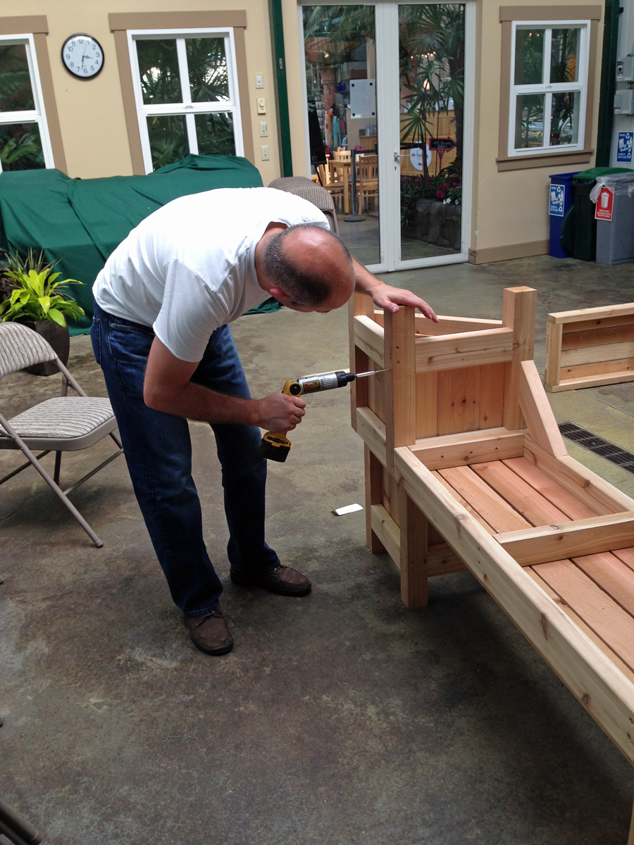 bench building