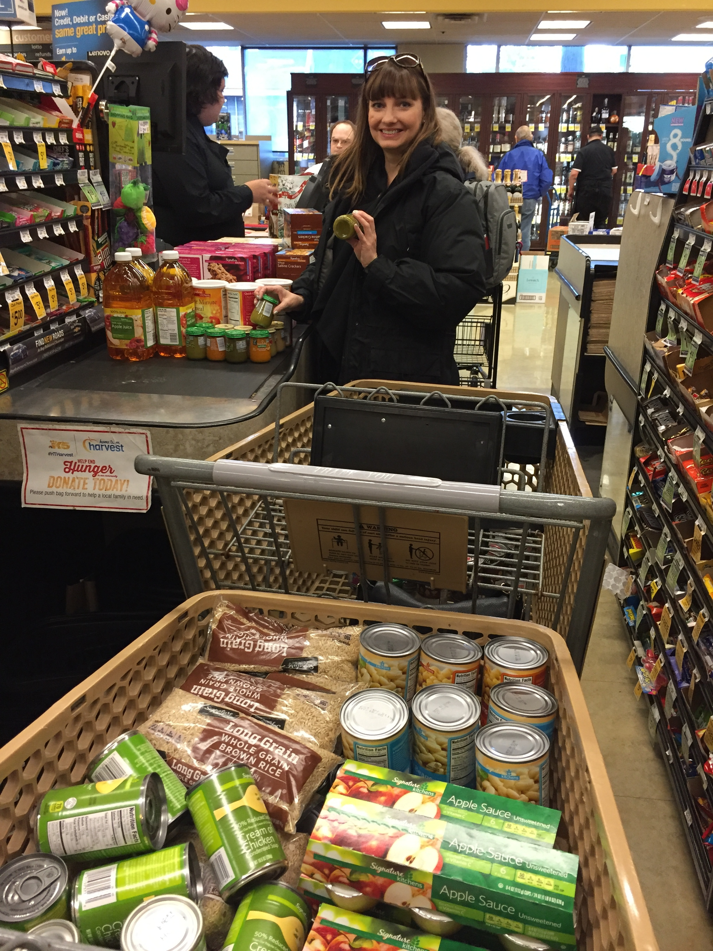 Holiday Sharing Campaign: 300 lbs of food for the Food Bank