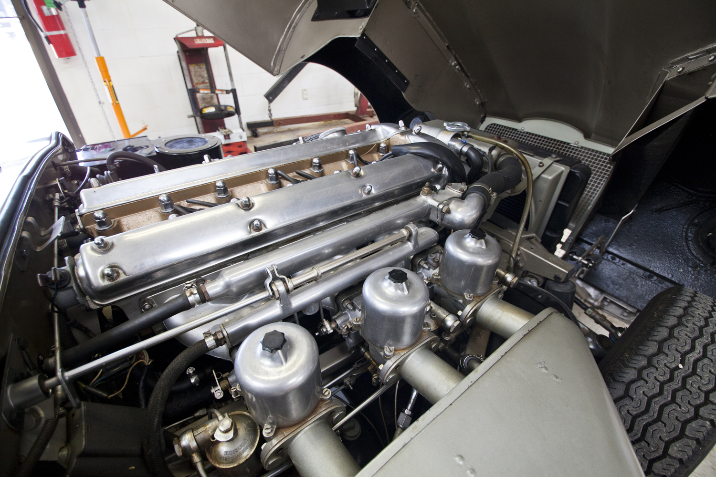 Jaguar E Type Engine