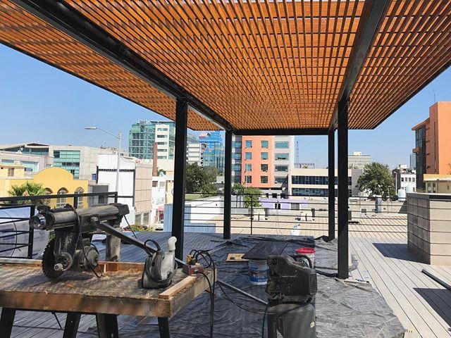 Proceso de obra // trellis in progress,  #cityscape #trellis #biergarten #tijuana #wip #heleoplus