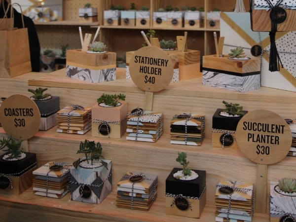Sista Wood Display: Finders Keepers Market merchandise consistently with even piles of stock for the same items.