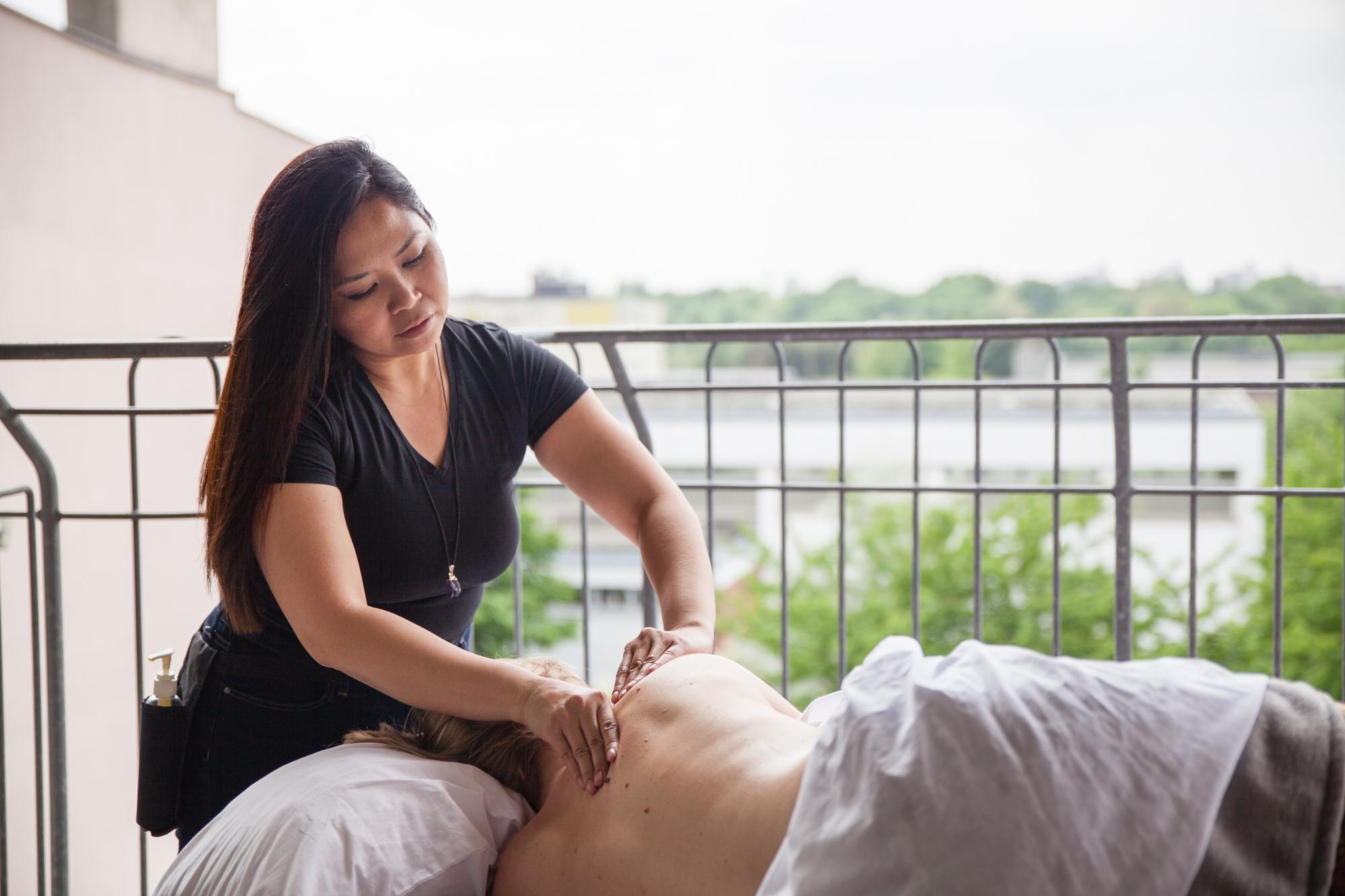 Elmi Bliss Mama Massage-79.jpg