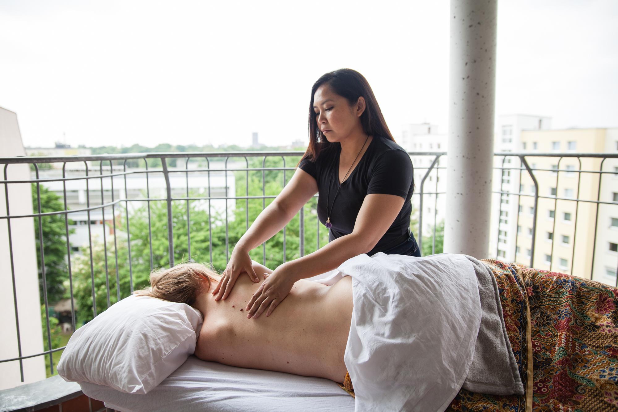 Elmi Bliss Mama Massage-103.jpg