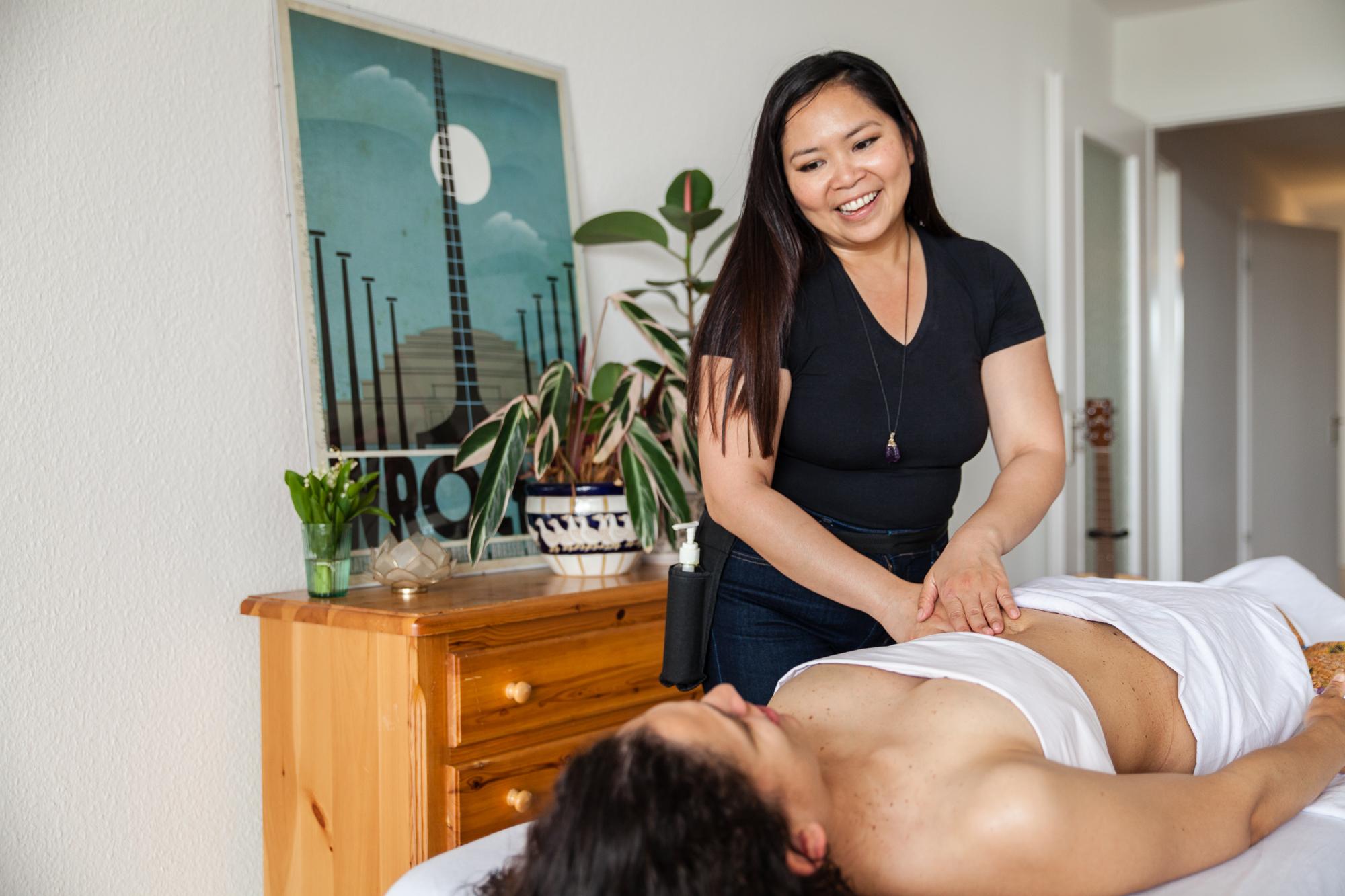 Elmi Bliss Mama Massage-208.jpg