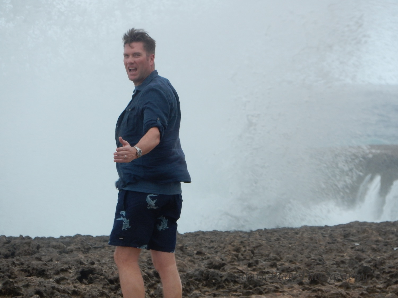 Ian vs. Wave