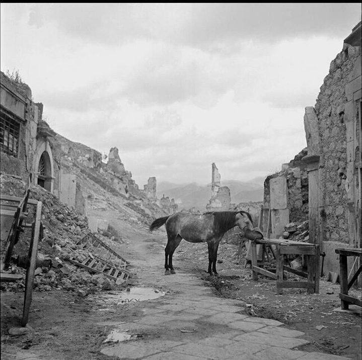 Vaccaro, Tony.The ruins of Cassino. 1946.