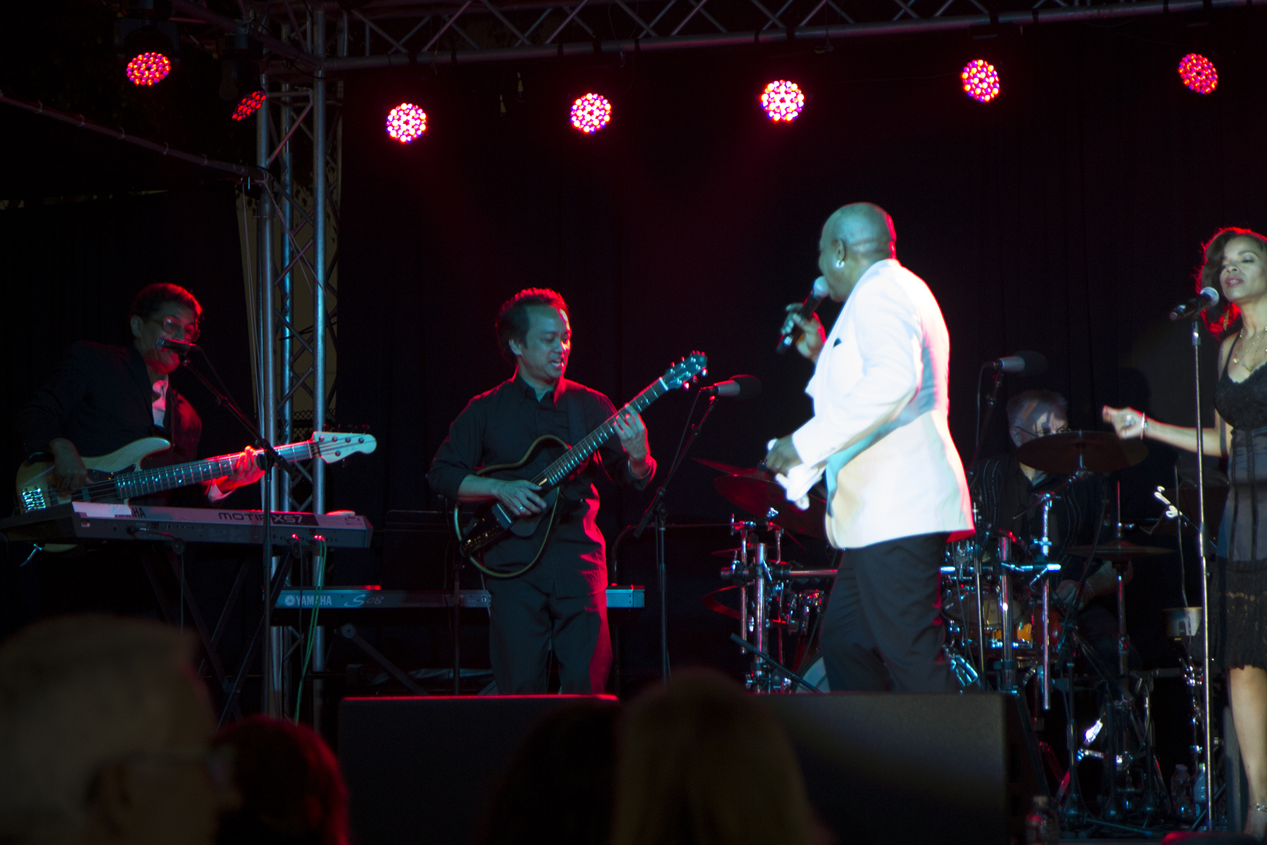 playing guitar for Peabo Bryson