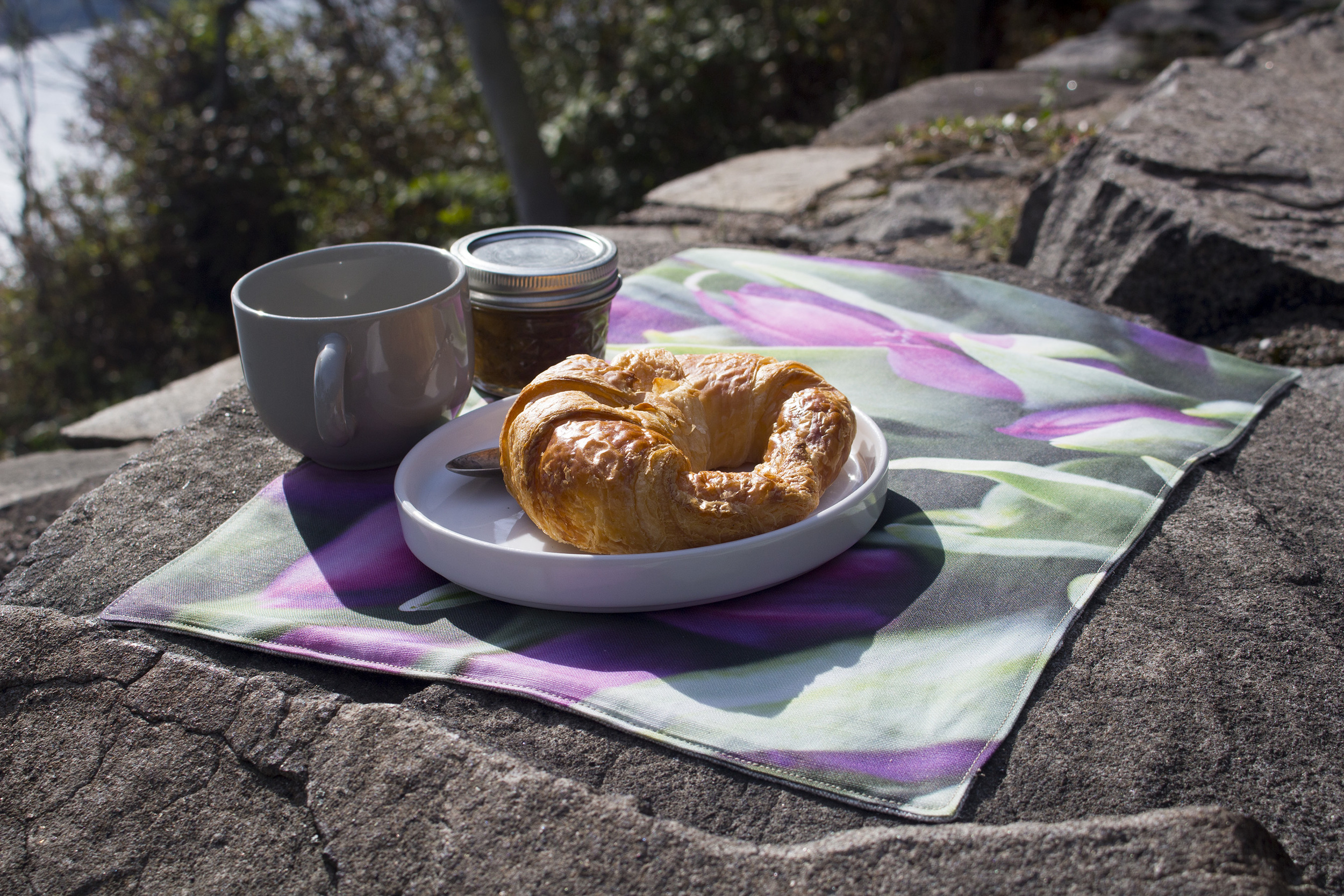 Kær placemats reminds you of that happy place: the great outdoors.
